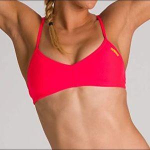 NWT Arena Rule Breaker MaxLife Bikini Top XXS